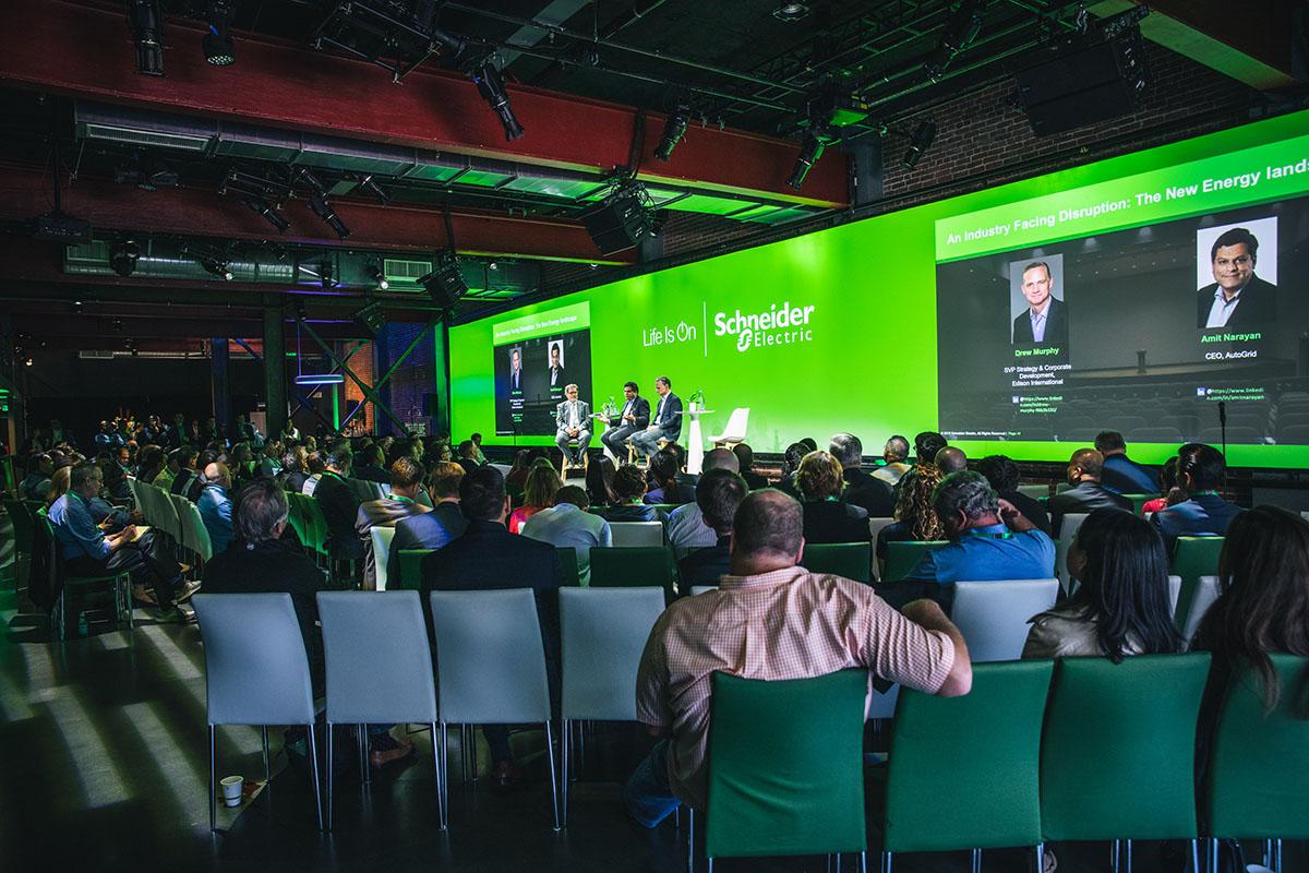 SchneiderElectric-Innovation-Summit-Barcelona-stage